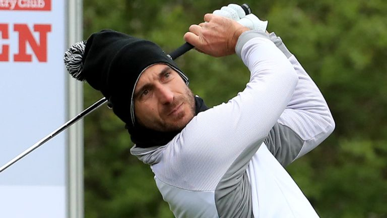 Alejandro Canizares will take a one-shot lead into the weekend