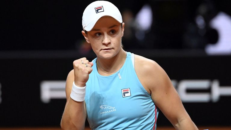 Ashleigh Barty remained on course for her first clay title since the 2019 French Open