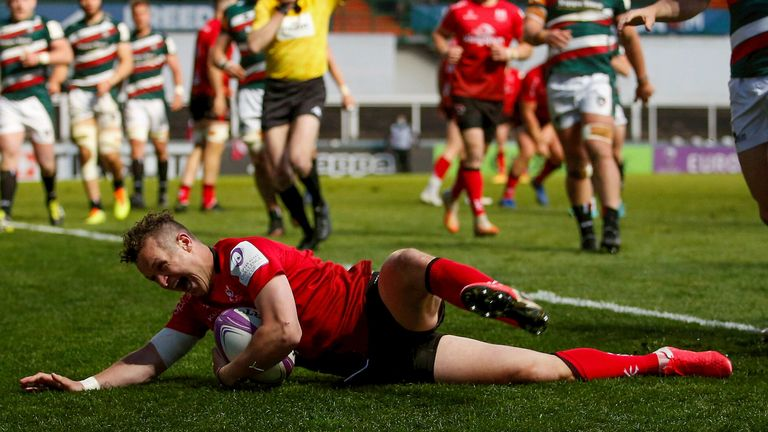 Billy Burns slides in for Ulster's second, as the visitors made Leicester pay when down to 14 men