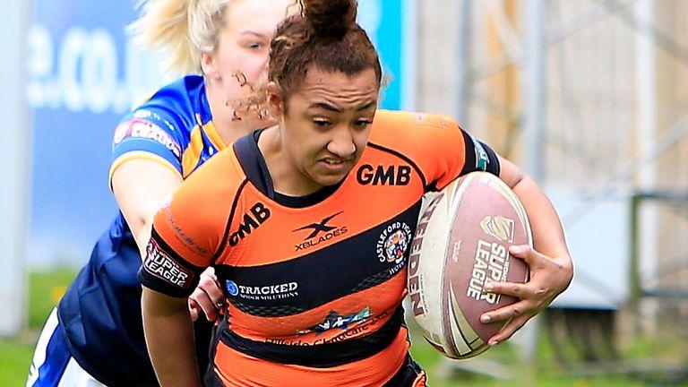 Kelsey Gentles in action for Castleford Tigers