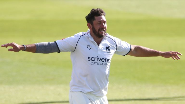 Tim Bresnan has joined Warwickshire permanently after spending last summer on loan at Edgbaston