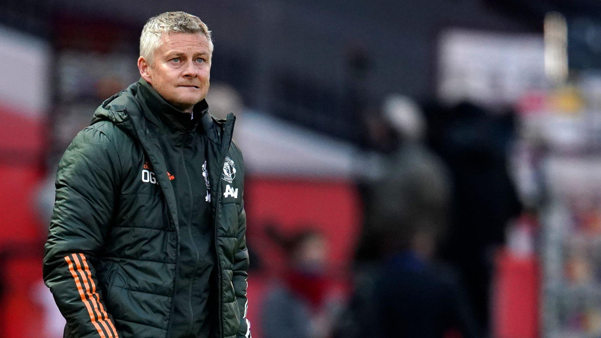Man Utd balance worries Neville | Keane unhappy with Fred