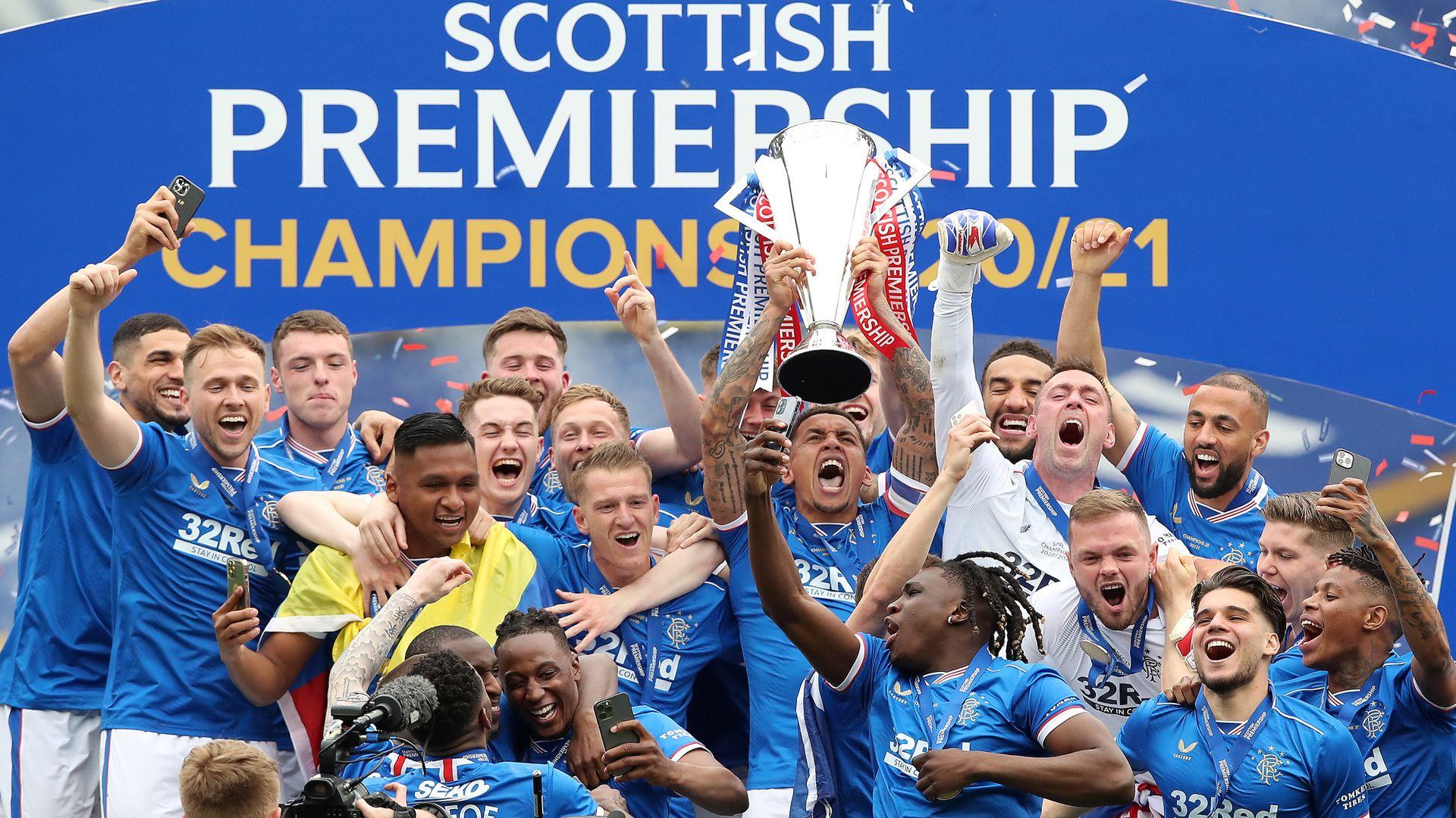 Rangers thrash Aberdeen to end season Invincible