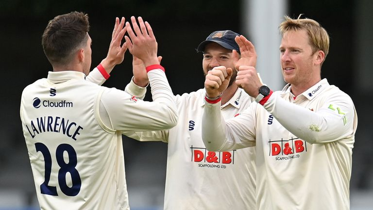 County Championship: Simon Harmer wins 12 wickets in match as Essex defeats Derbyshire |  Cricket News