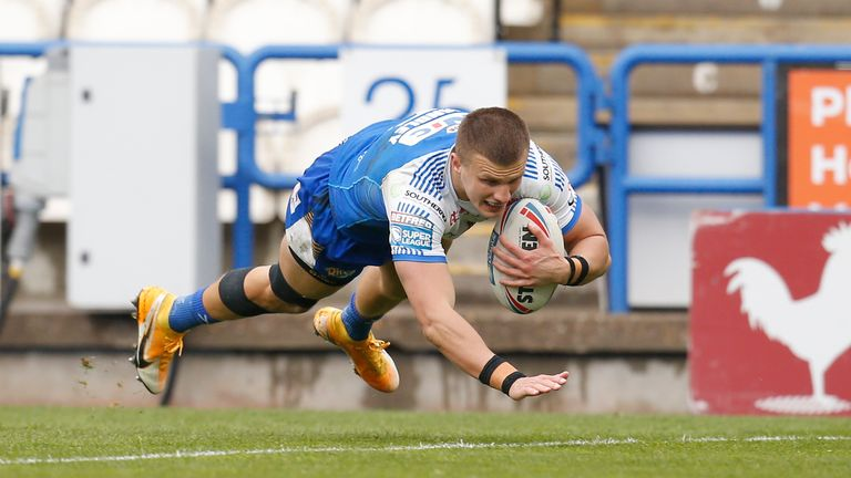 Ash Handley crossed for Leeds' second try against Huddersfield
