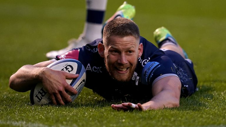 Rob du Preez was among the Sale Sharks try-scorers as they beat Bristol to confirm a playoff place