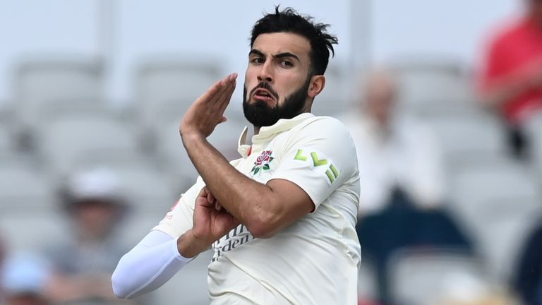 Saqib Mahmood claimed five wickets as Lancashire beat Yorkshire at Emirates Old Trafford for the first time in 21 years