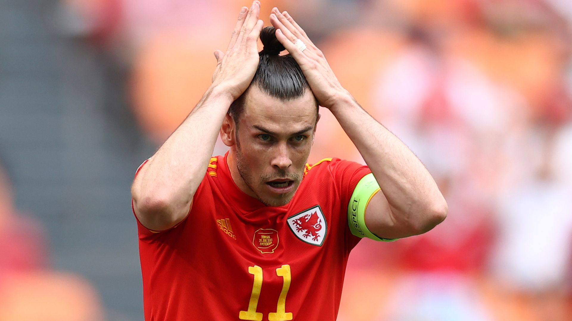 Bale ignores question on Wales future