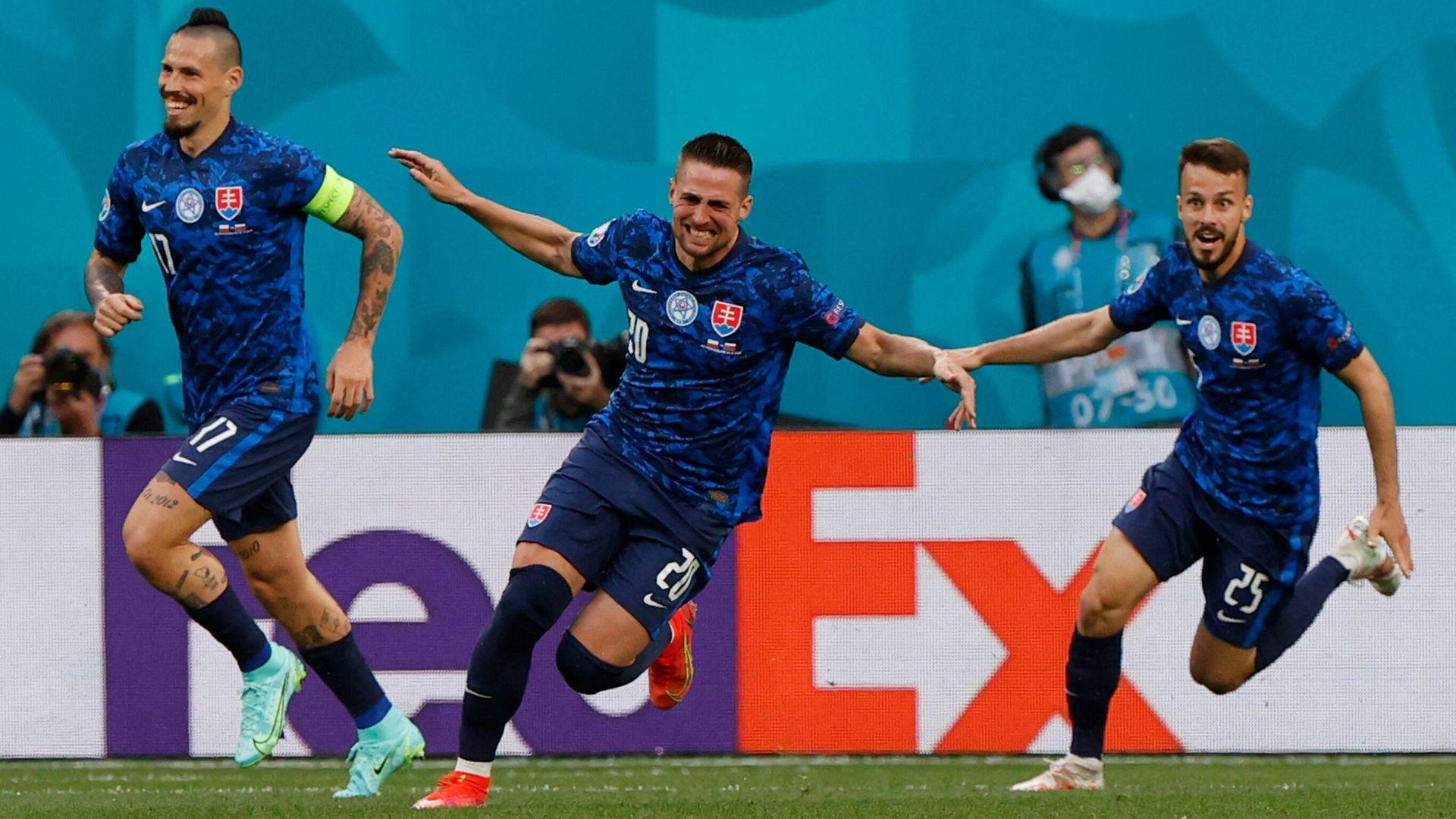 Slovakia take lead against Poland LIVE!