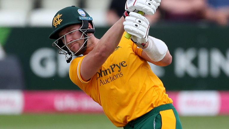 Joe Clarke smote 11 sixes and six fours in his power-packed innings with a strike-rate of 209.23
