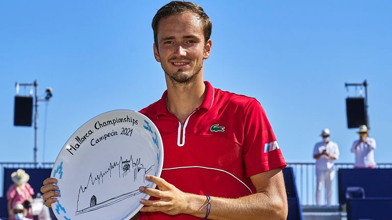 Daniil Medvedev collected the Mallorca Championships to win his first ATP Tour grass-court final.