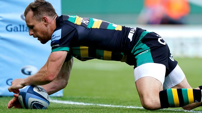 Saints centre Rory Hutchinson scored two first-half tries