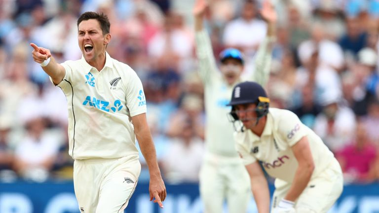 Trent Boult's two wickets after tea put New Zealand in a commanding position