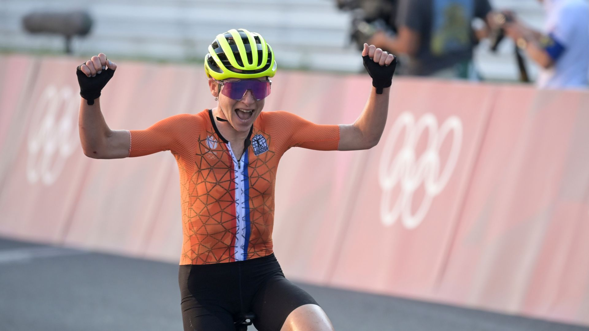 Confusion in Tokyo as Dutch cyclist mistakes silver for gold