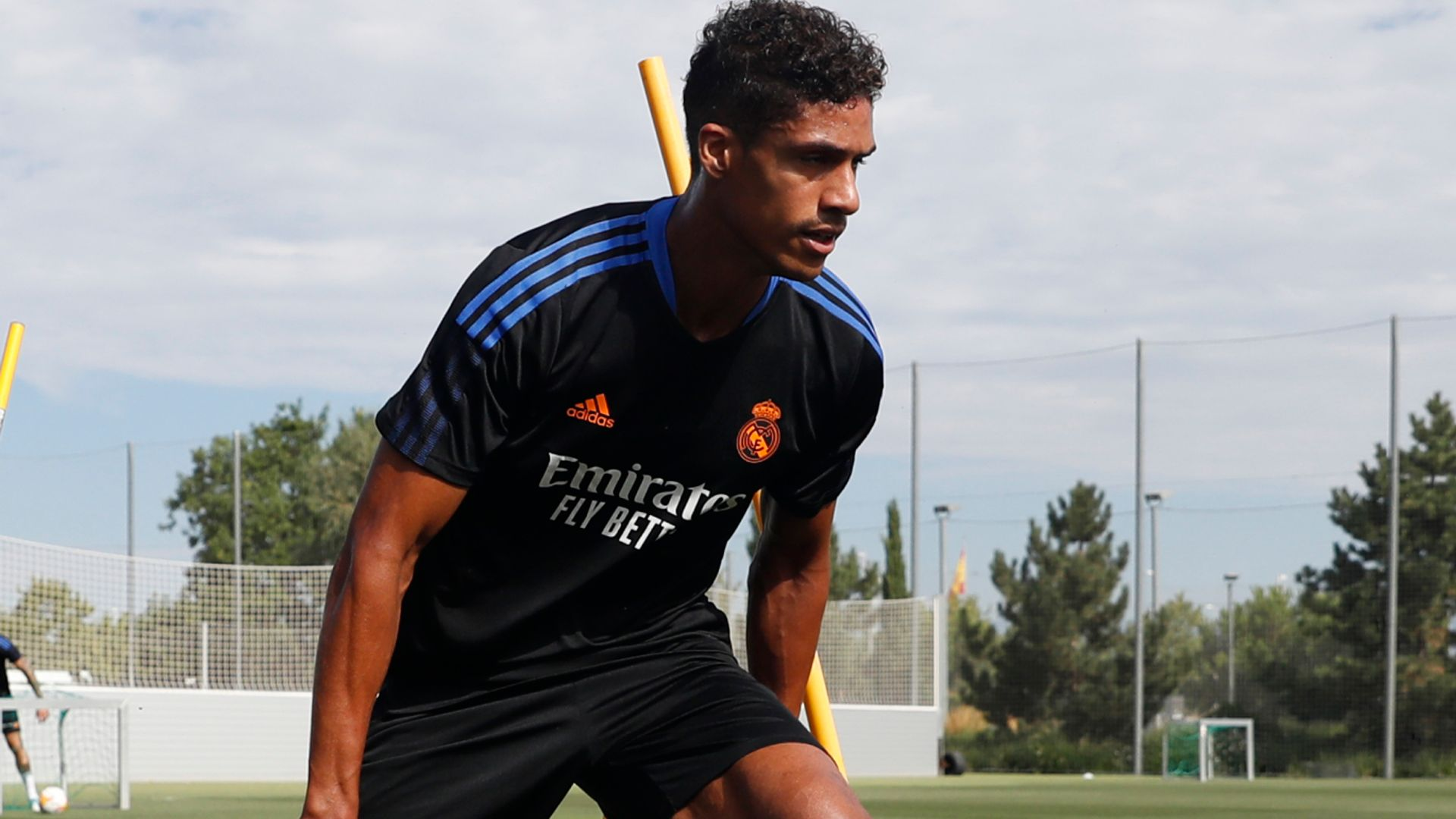 Man Utd close to agreement with Varane on personal terms