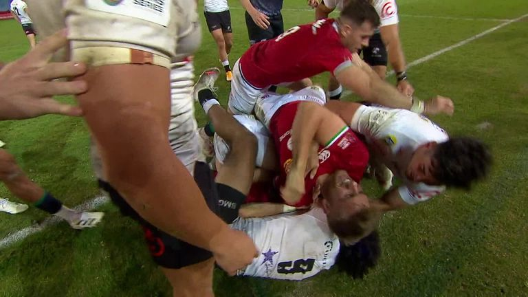 Sharks scrum-half Hendrikse sees red after making contact with Liam Williams on the floor on his head with an elbow.