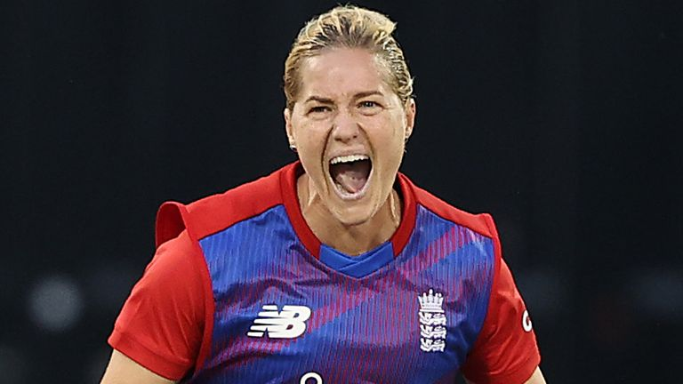 Katherine Brunt (2-9) set the tone with the ball, claiming the prized scalp of Suzie Bates