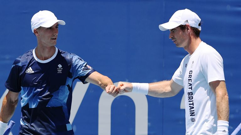 Andy Murray and Joe Salisbury have beaten second seeds Pierre-Hugues Herbert and Nicolas Mahut from France