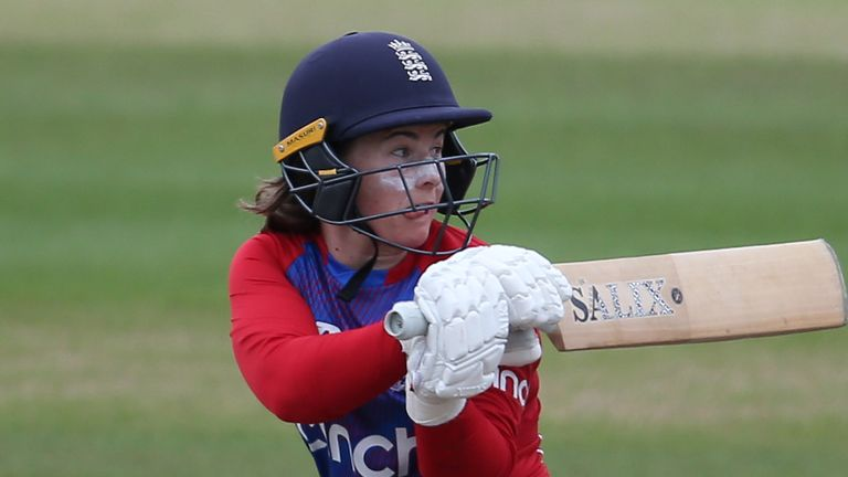 Tammy Beaumont struck a ninth T20I fifty before England collapsed to defeat to India at Hove
