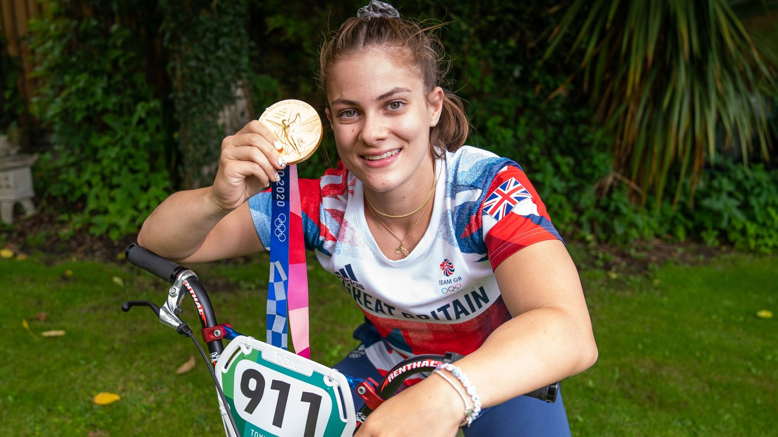 Beth Shriever: Great Britain Olympic BMX champion wins world title in Holland