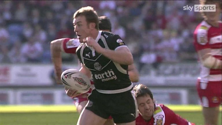 Relive James Roby's stunning try for St Helens in the 2007 derby clash with Wigan Warriors