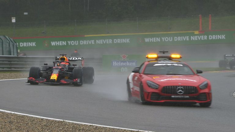 Bekijk hoe de Belgische GB uiteindelijk eindigde nadat de auto's terugkeerden naar de baan achter de auto
