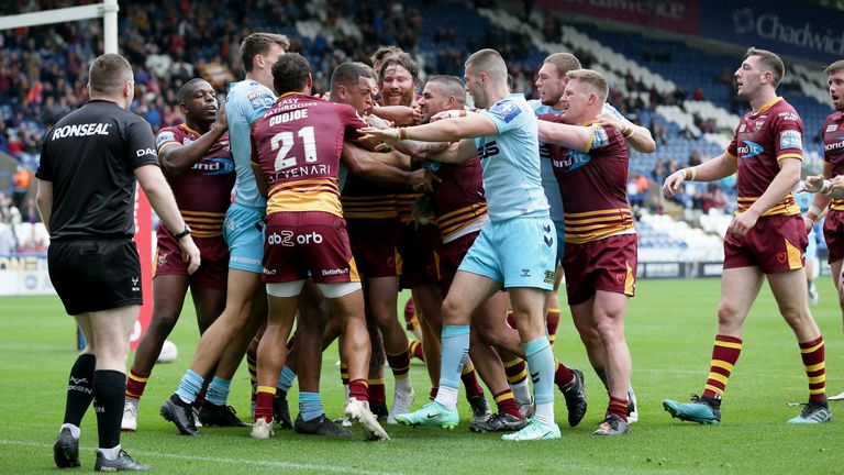 Tempers boil over between Huddersfield and Wakefield