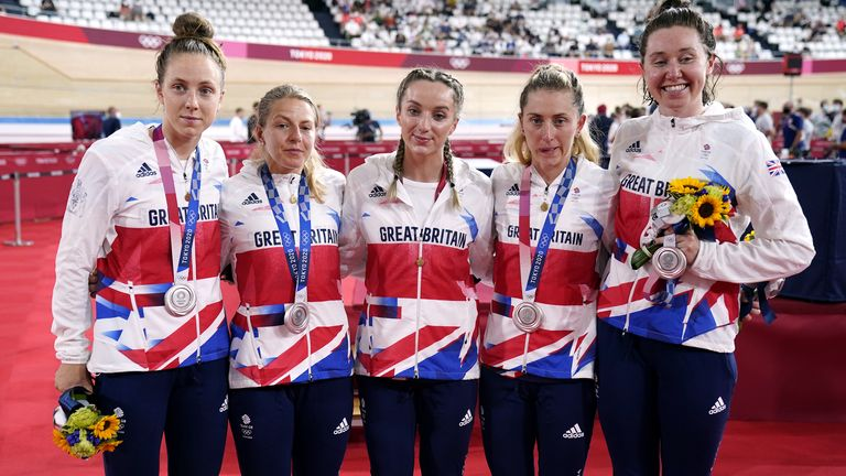 Laura Kenny collects silver in the team pursuit