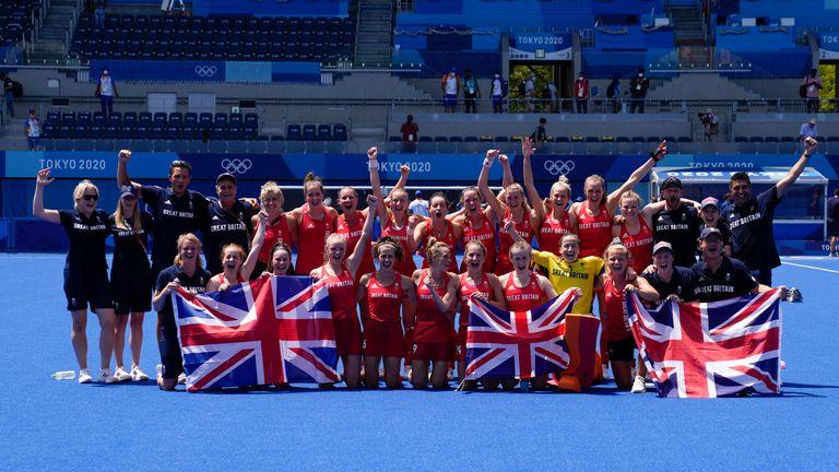 Great Britain's women's hockey team celebrate their bronze medal
