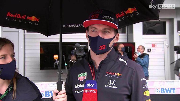 Max Verstappen afferma di non essere ancora d'accordo su una penalità del GP di Russia e discute di futuri combattimenti con Lewis Hamilton