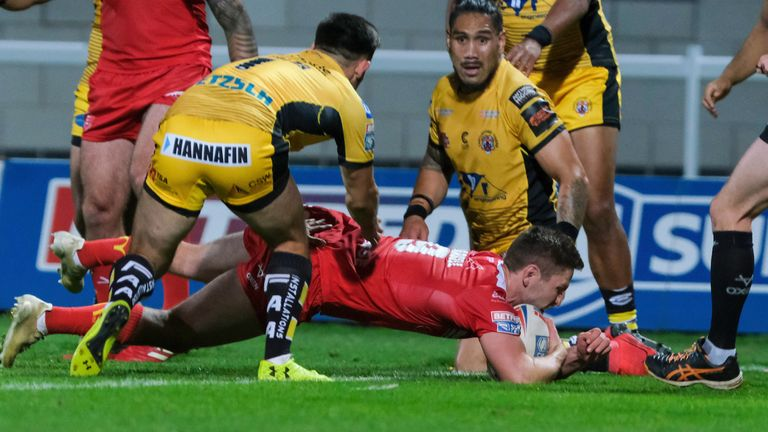 At 19-12 behind, Parcell scored to put Hull KR back in the game