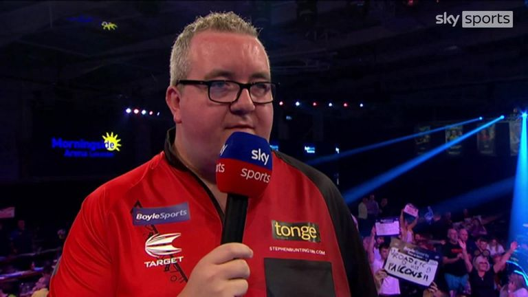 Stephen Bunting is into the World Grand Prix quarter-finals after beating James Wade